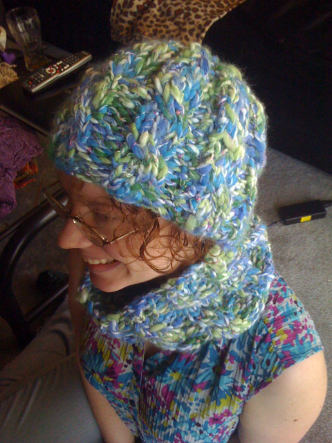 Speedy Cabled Cowl & Beanie Set